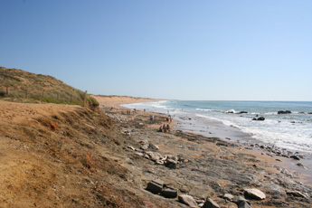 Sauveterre beach looking south