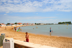 beach and lake at l'Aiguillon-sur-mer