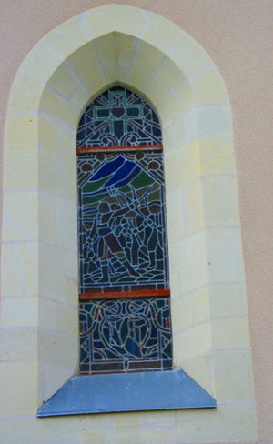 stained glass wind portraying the War of the Vendee in the church of Notre Dame.
